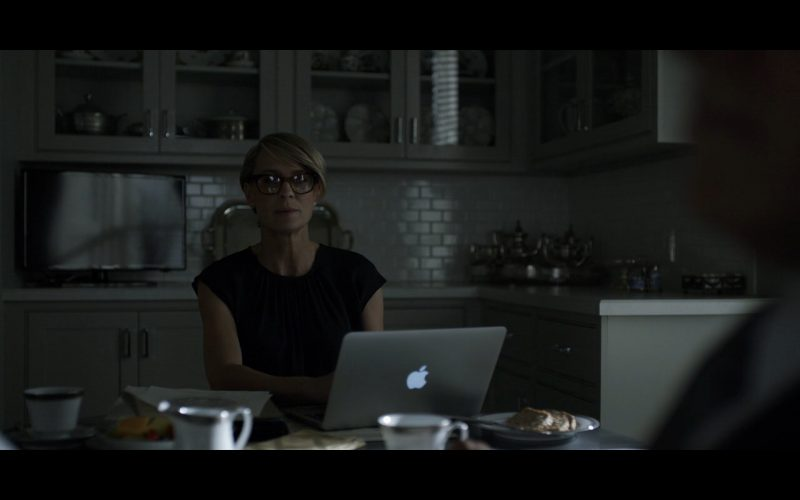 Apple Macbook Pro 15 Retina - House of Cards TV Show Product Placement