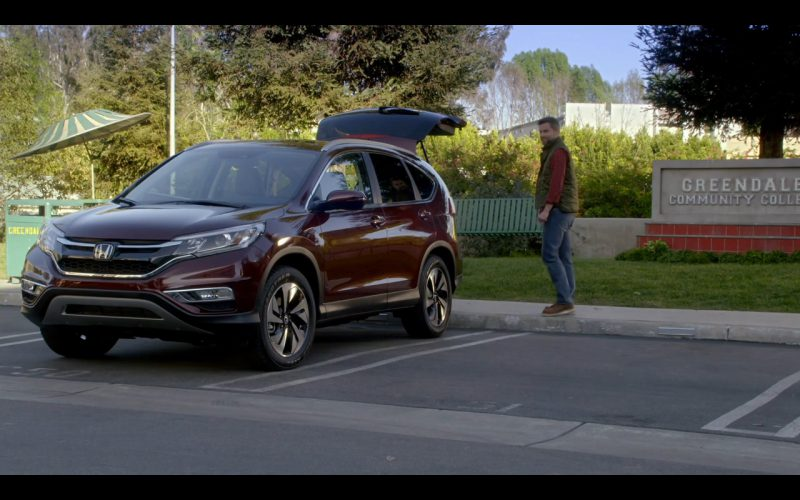 Honda CR-V 2015 car - Community TV Show Product Placement