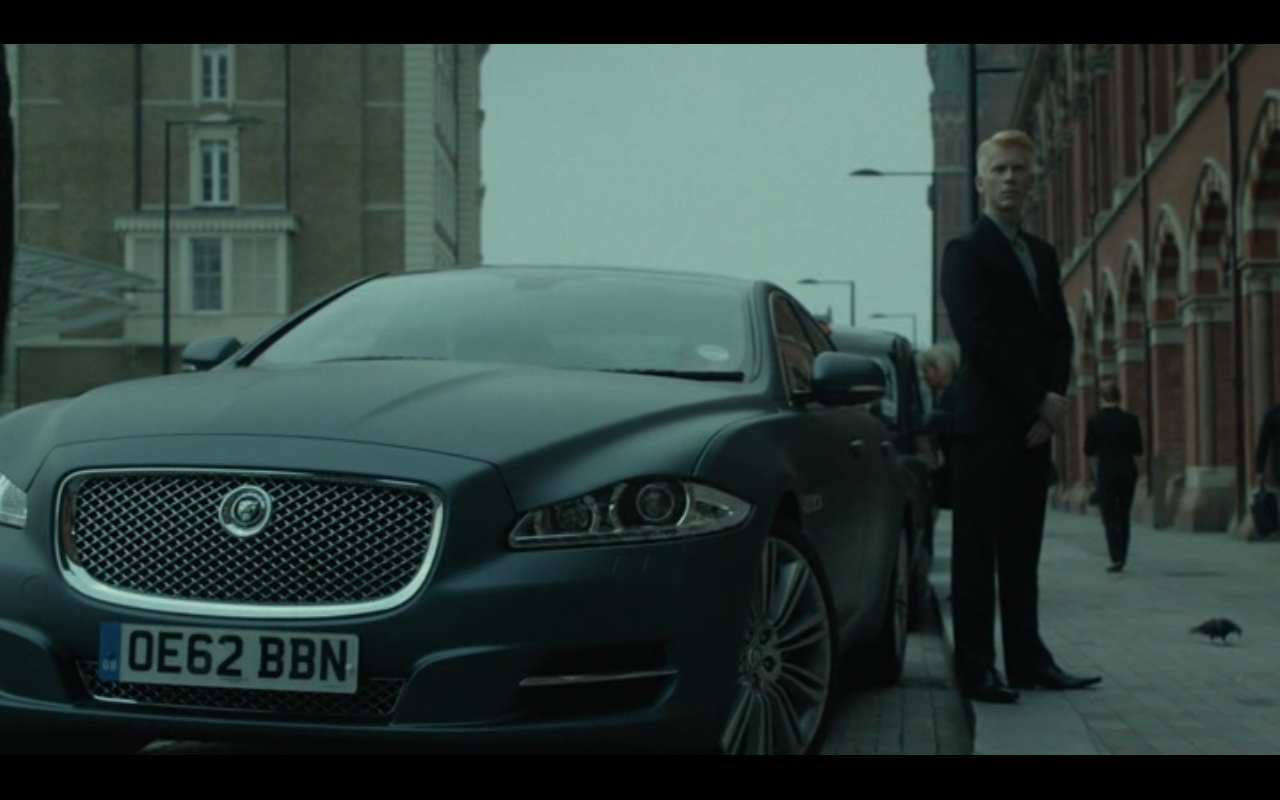 Jaguar XJL – Good People (2014) Movie Scenes