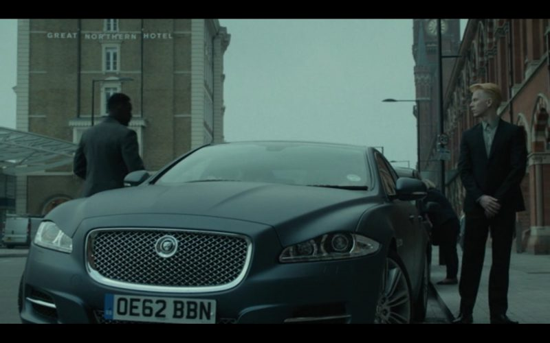 Jaguar XJL - Good People (2014) Movie Product Placement