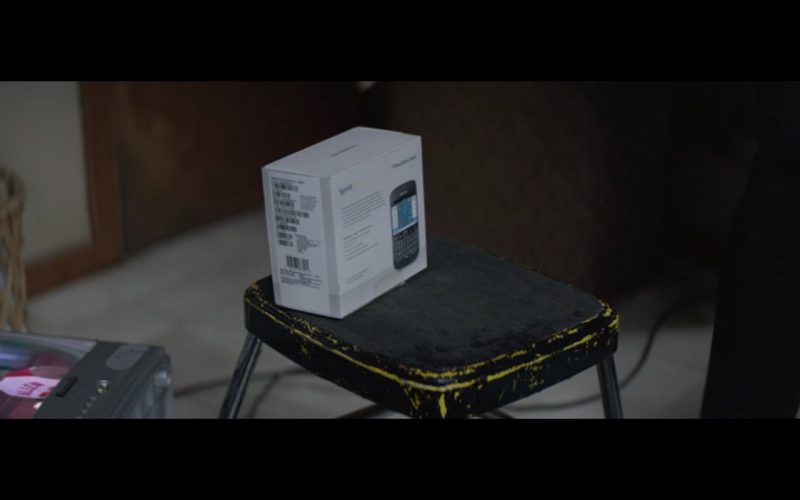 Sprint & Blackberry Bold – The Gambler (2014) Movie Product Placement
