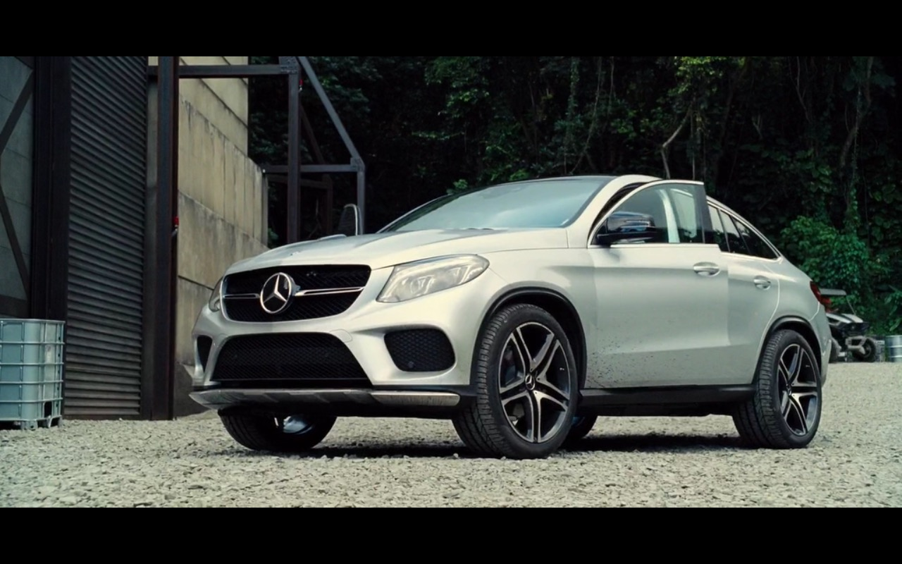 Mercedes benz gle 450 amg coup jurassic world 2015 for Mercedes benz gle 450