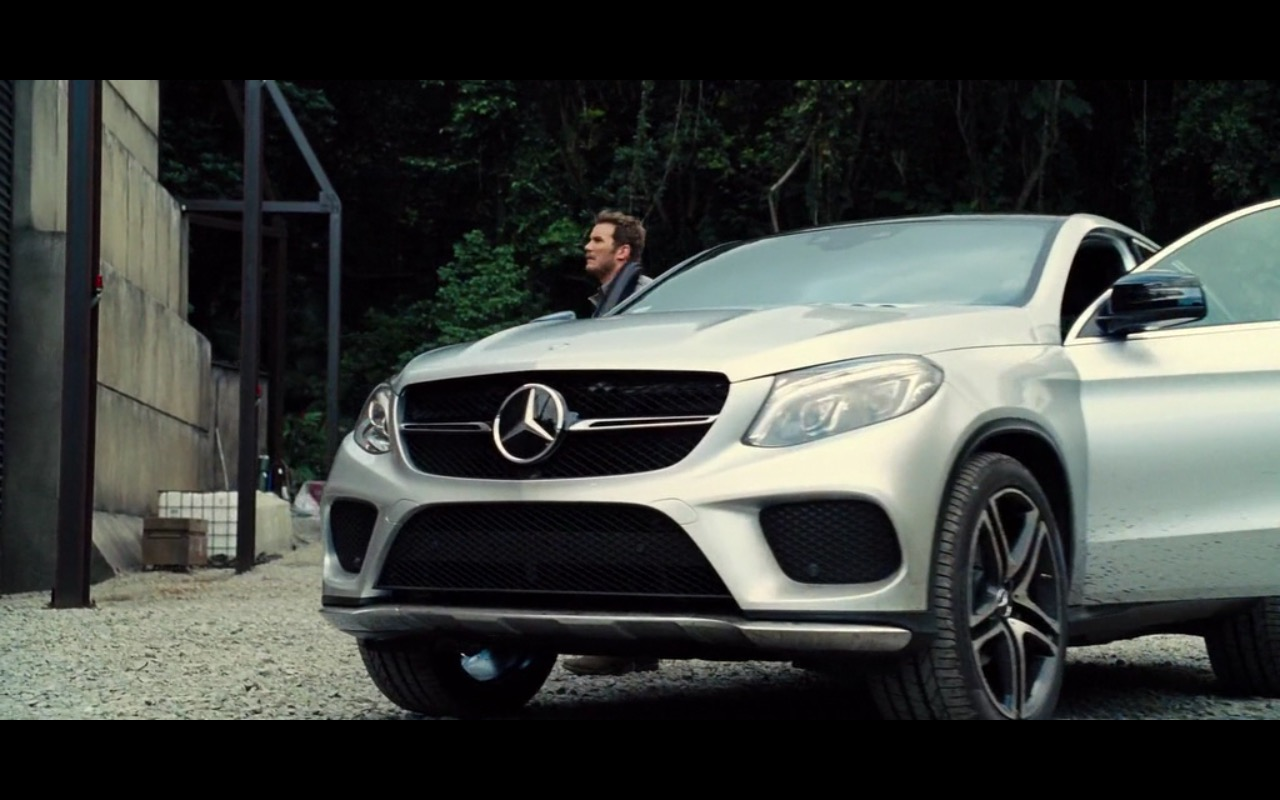 Mercedes-Benz GLE Product Placement in Jurassic World 2015 (4)