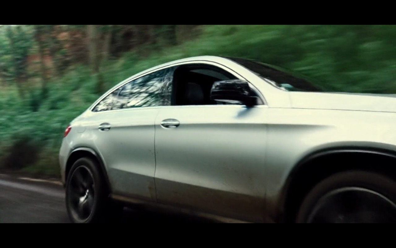 Mercedes-Benz GLE Product Placement in Jurassic World 2015 (6)