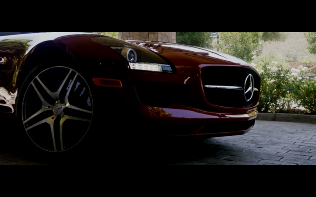 Land Rover Discovery >> Red Mercedes-Benz SLS AMG – Danny Collins (2015) Movie