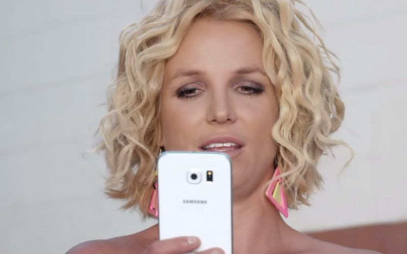 Samsung Galaxy S6 – Pretty Girls – Britney Spears & Iggy Azalea (1)