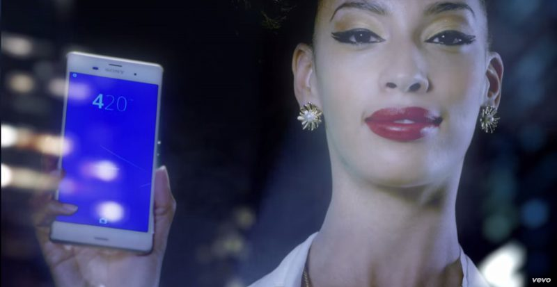 Sony Xperia Z3 - Snoop Dogg - California Roll Official Music Video Product Placement