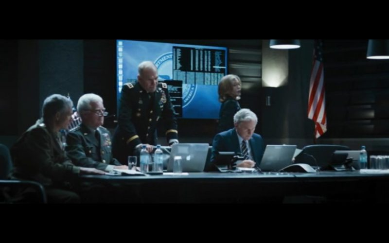 Apple MacBook Pro 15  – Big Game (2014) Movie Product Placement