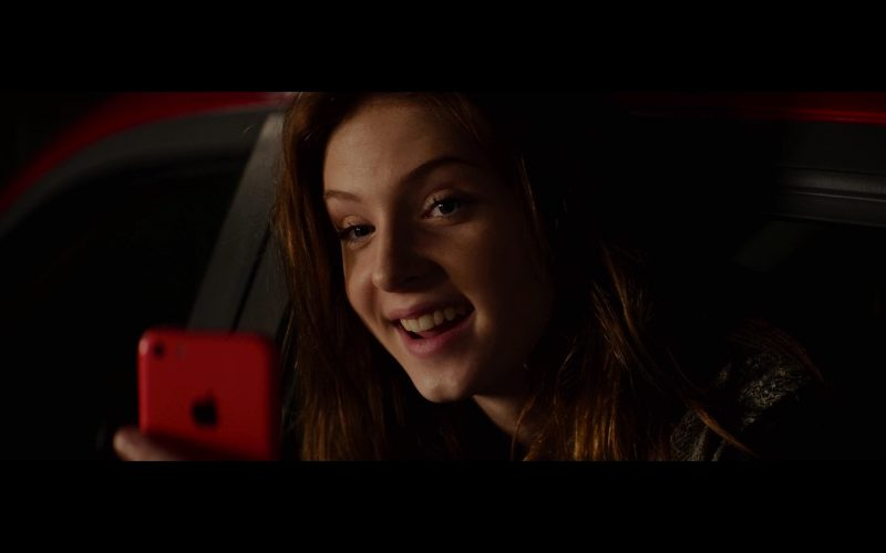 Apple iPhone 5C - Poltergeist (2015) - Movie Product Placement