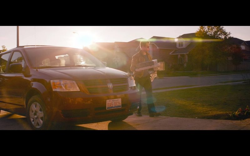 Dodge Grand Caravan - Poltergeist (2015) Movie Product Placement