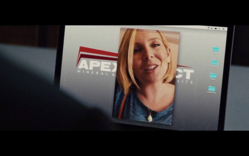 FaceTime – Unfinished Business (2015) - Movie Product Placement