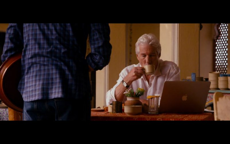 Macbook Pro – The Second Best Exotic Marigold Hotel (2015) - Movie Product Placement