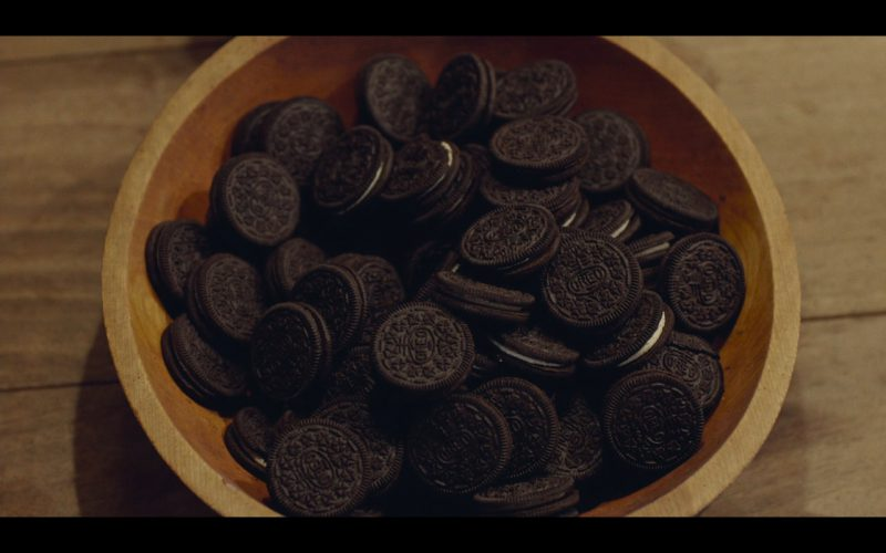 Oreo – While We're Young (2014) - Movie Product Placement