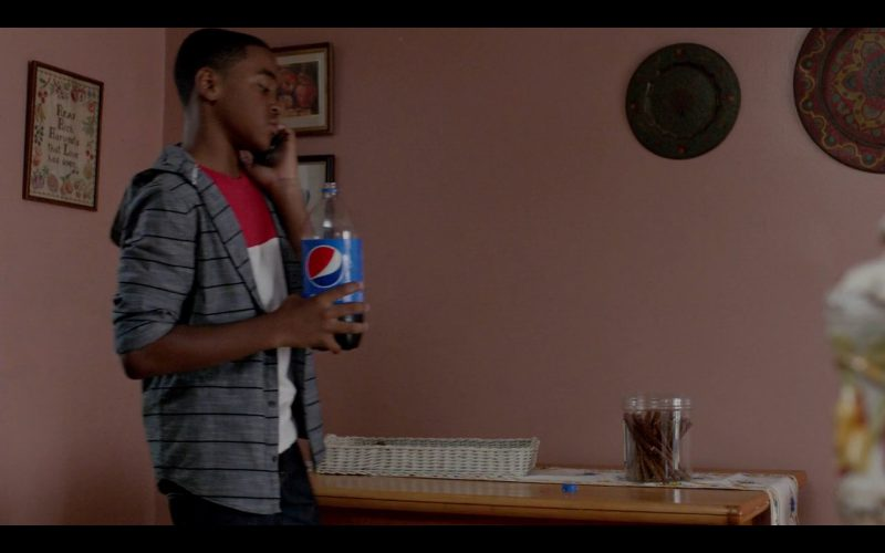 Pepsi Bottle - Orange Is the New Black - TV Show Product Placement