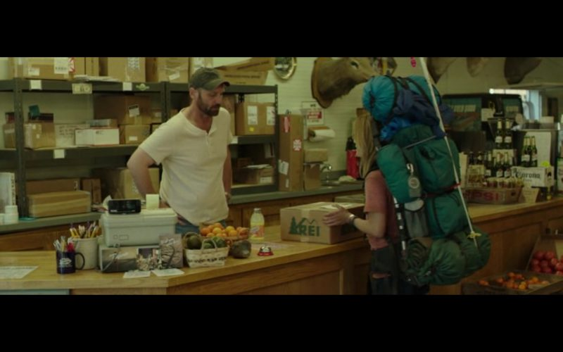 REI Danner Hiking Boots - Wild (2014) - Movie Product Placement