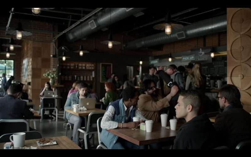 Apple MacBook Pro - Mr. Robot TV Show Product Placement