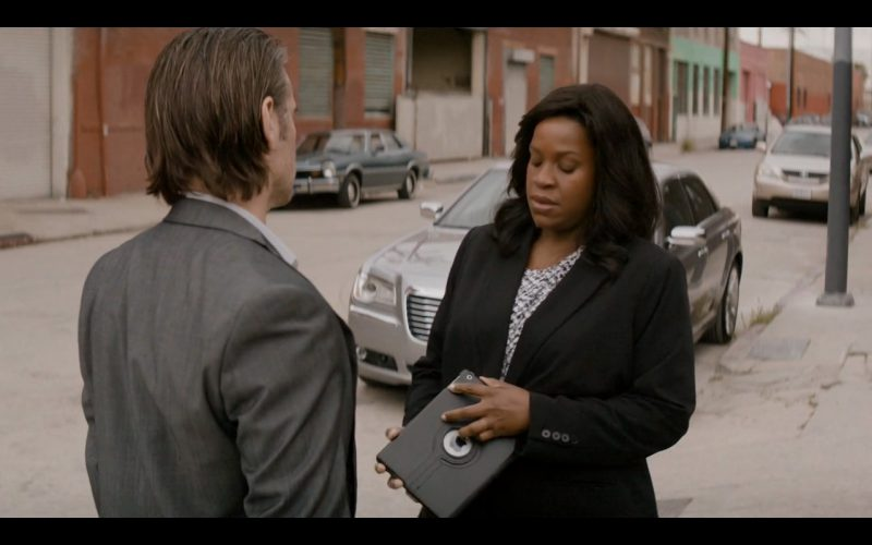 Apple iPad Air 2 - True Detective - TV Show Product Placement