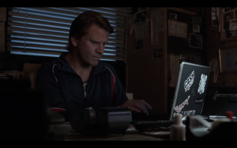 Dell Notebook Product Placement in Ray Donovan TV Show (2)
