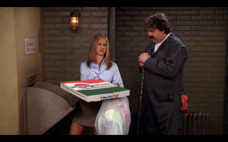Ray Bari Pizza Product Placement in Friends (4)