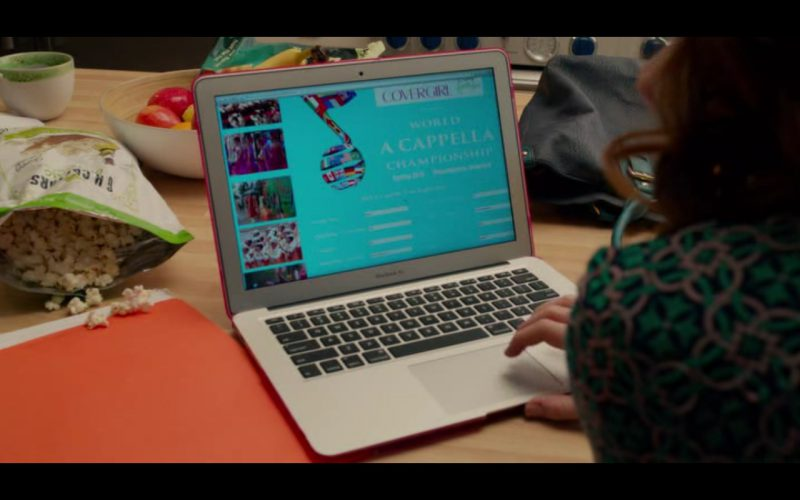 Apple MacBook – Pitch Perfect 2 (3)