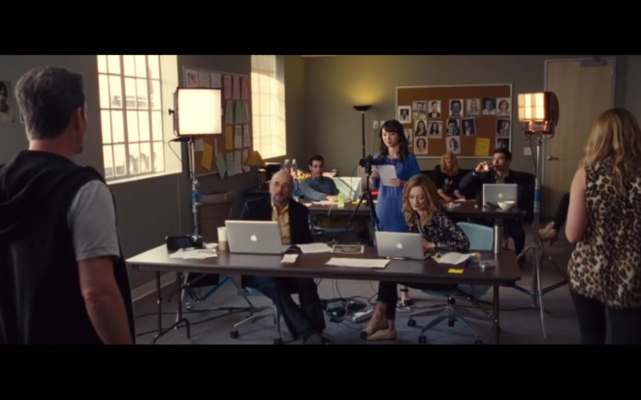 Apple MacBook Pro - Entourage (2015) Movie Product Placement