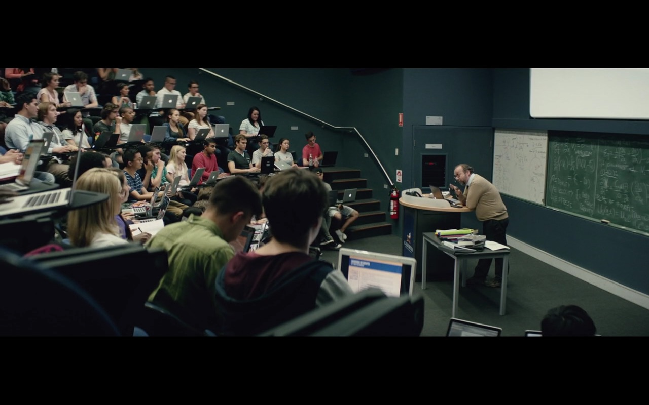 Apple Macbook – San Andreas (2015) - Movie Product Placement