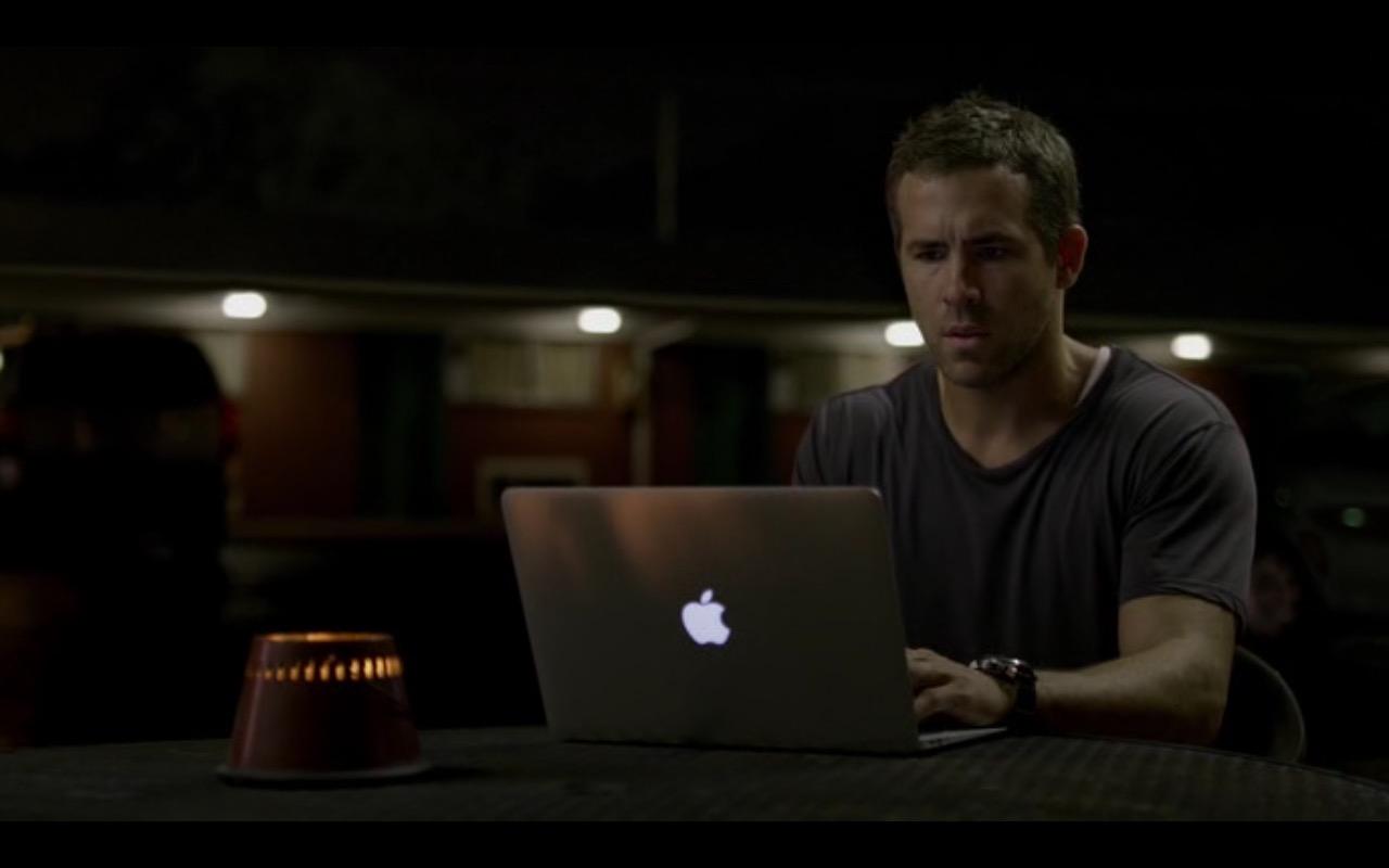 Apple Macbook – Selfless 2015 (11)