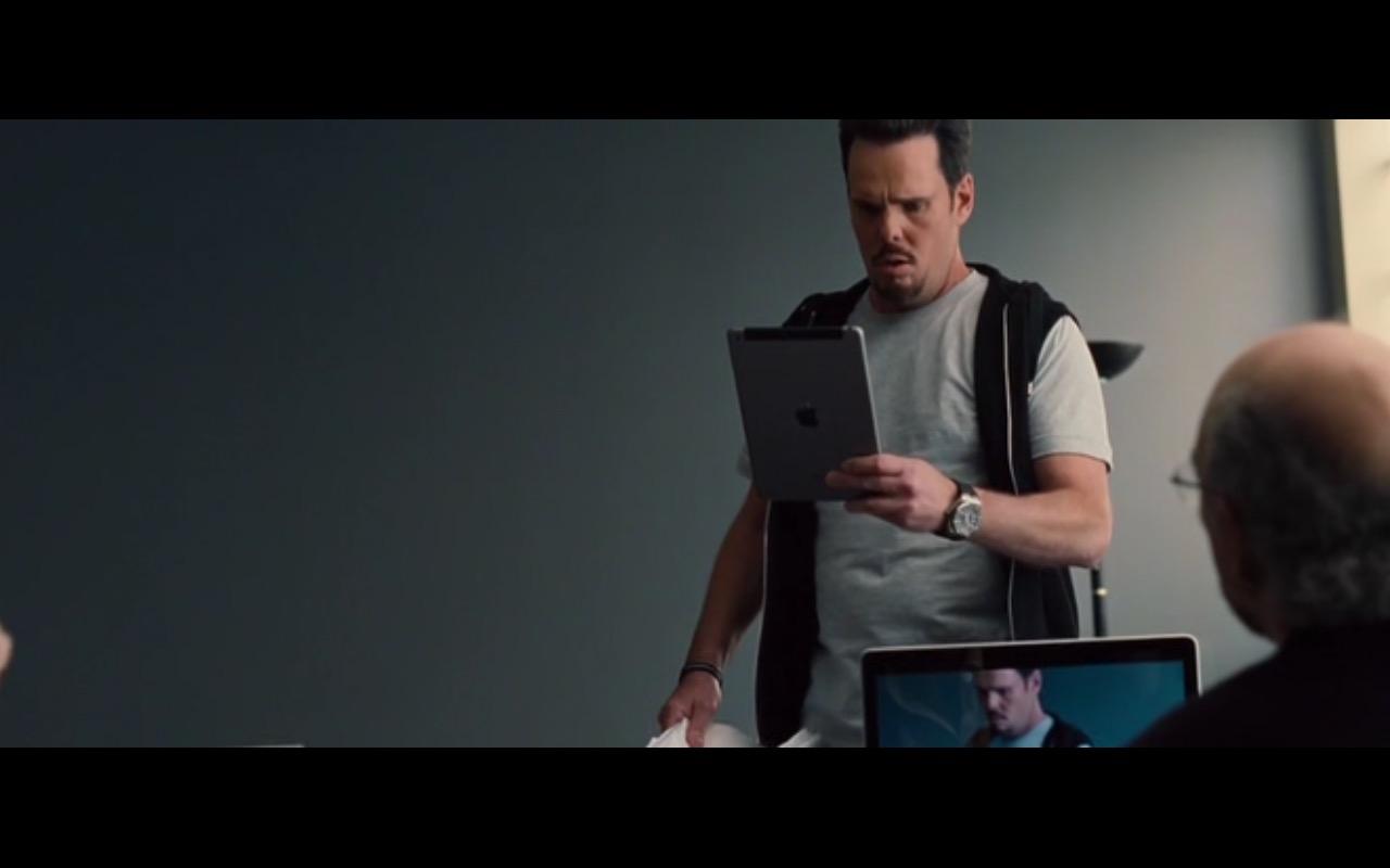 Apple iPad – Entourage (2015)