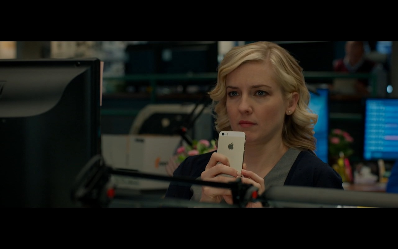 Apple iPhone 5/5S - Spy (2015) Movie Product Placement