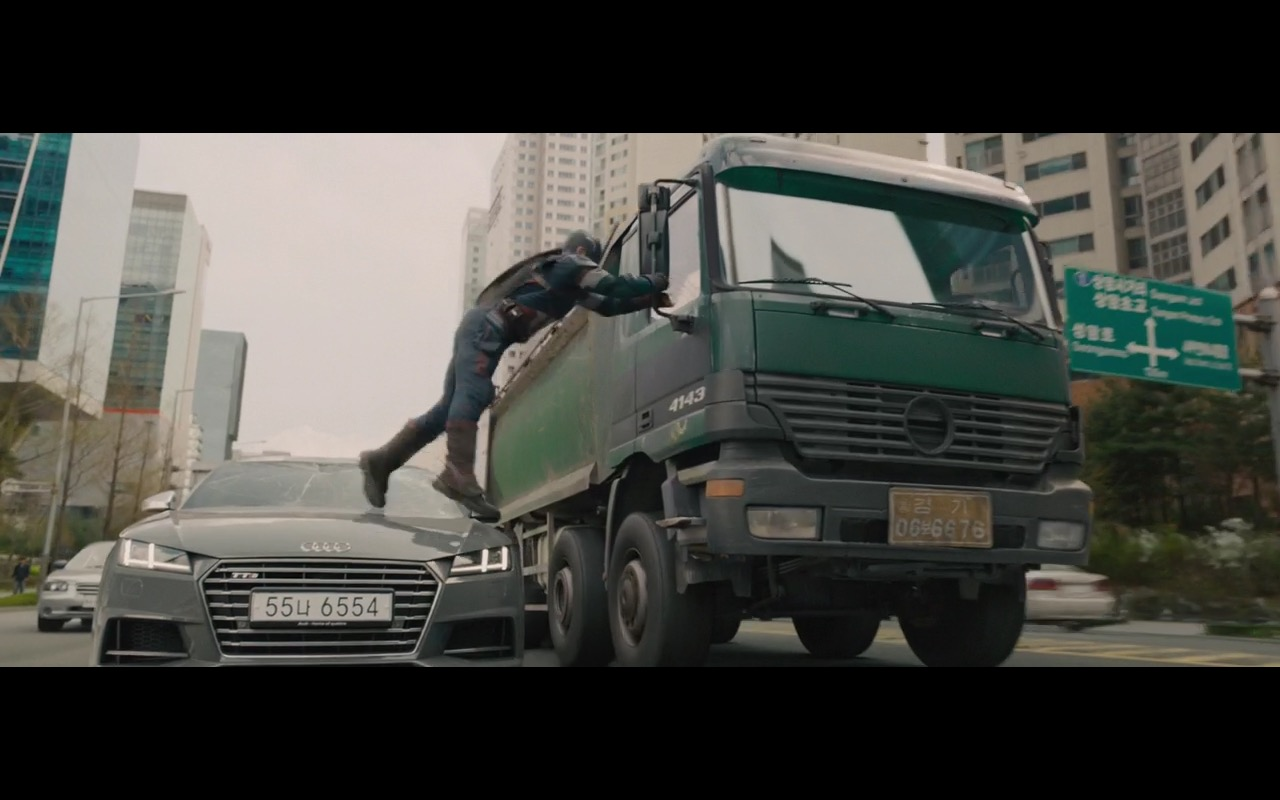 Audi Product Placement in Avengers Age of Ultron 2015 Movie (4)