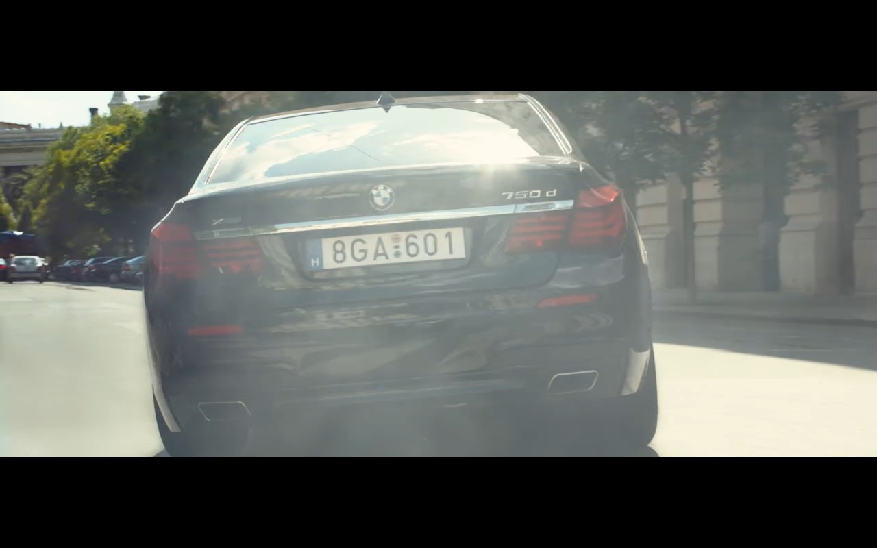 BMW 750D Product Placement in Spy 2015 Movie (11)
