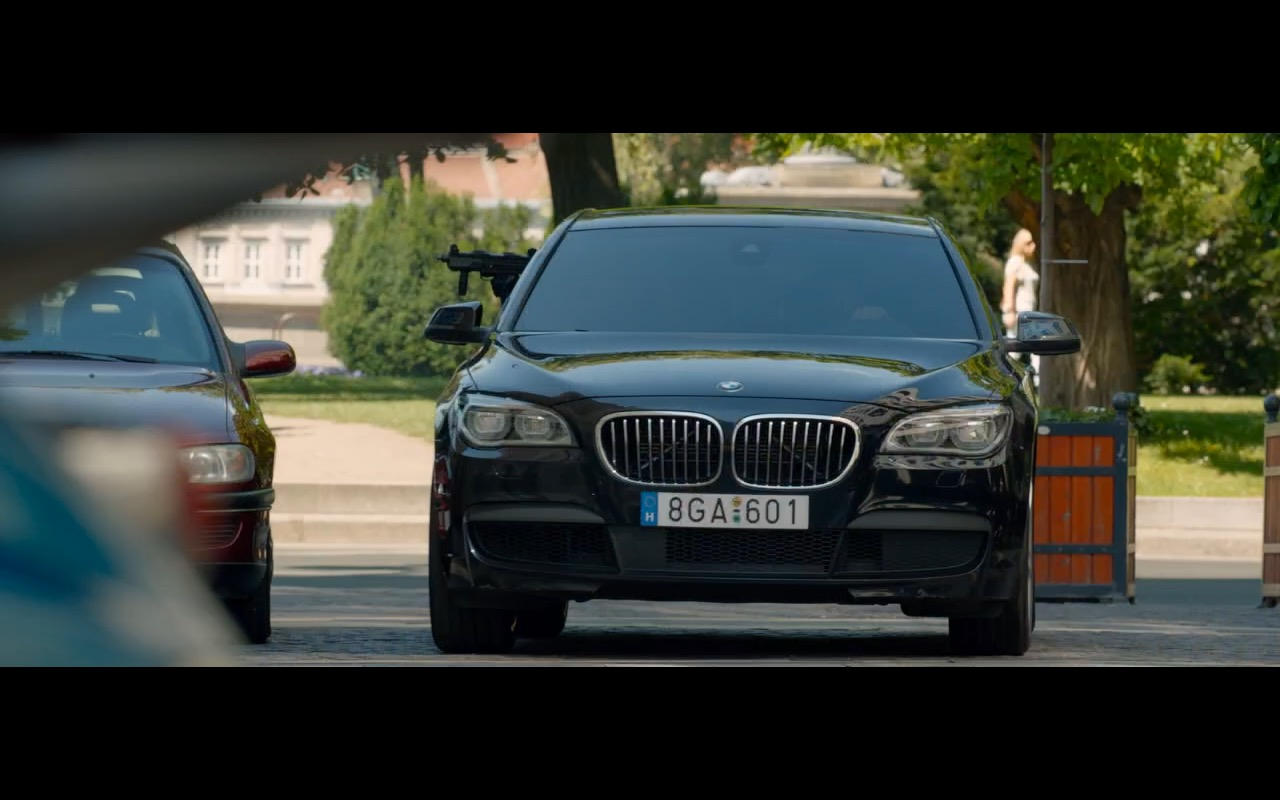 BMW 750D Product Placement in Spy 2015 Movie (2)