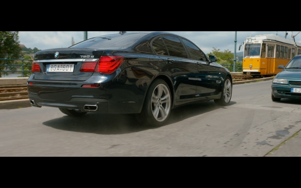 BMW 750D Product Placement in Spy 2015 Movie (6)
