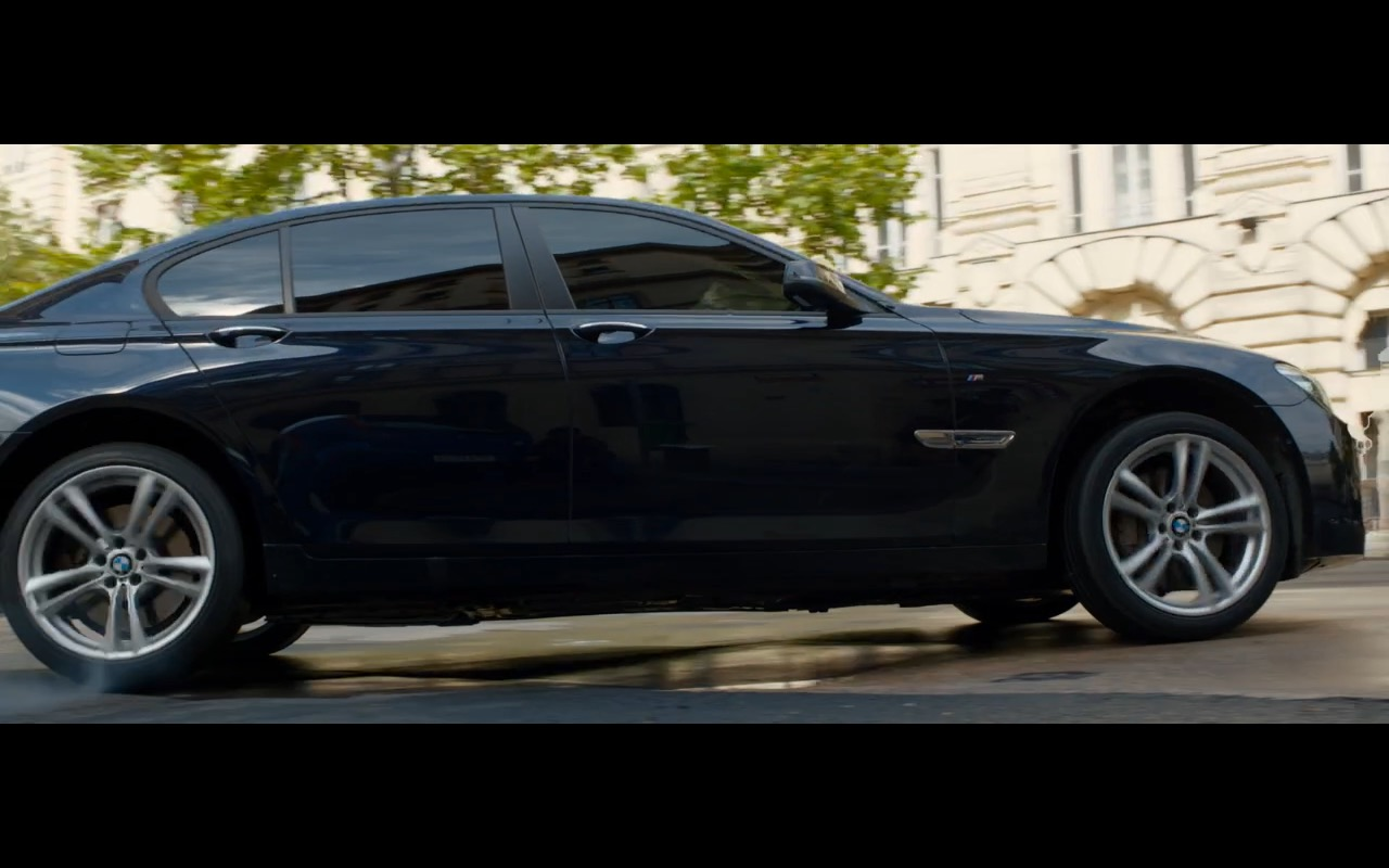 BMW 750D Product Placement in Spy 2015 Movie (8)