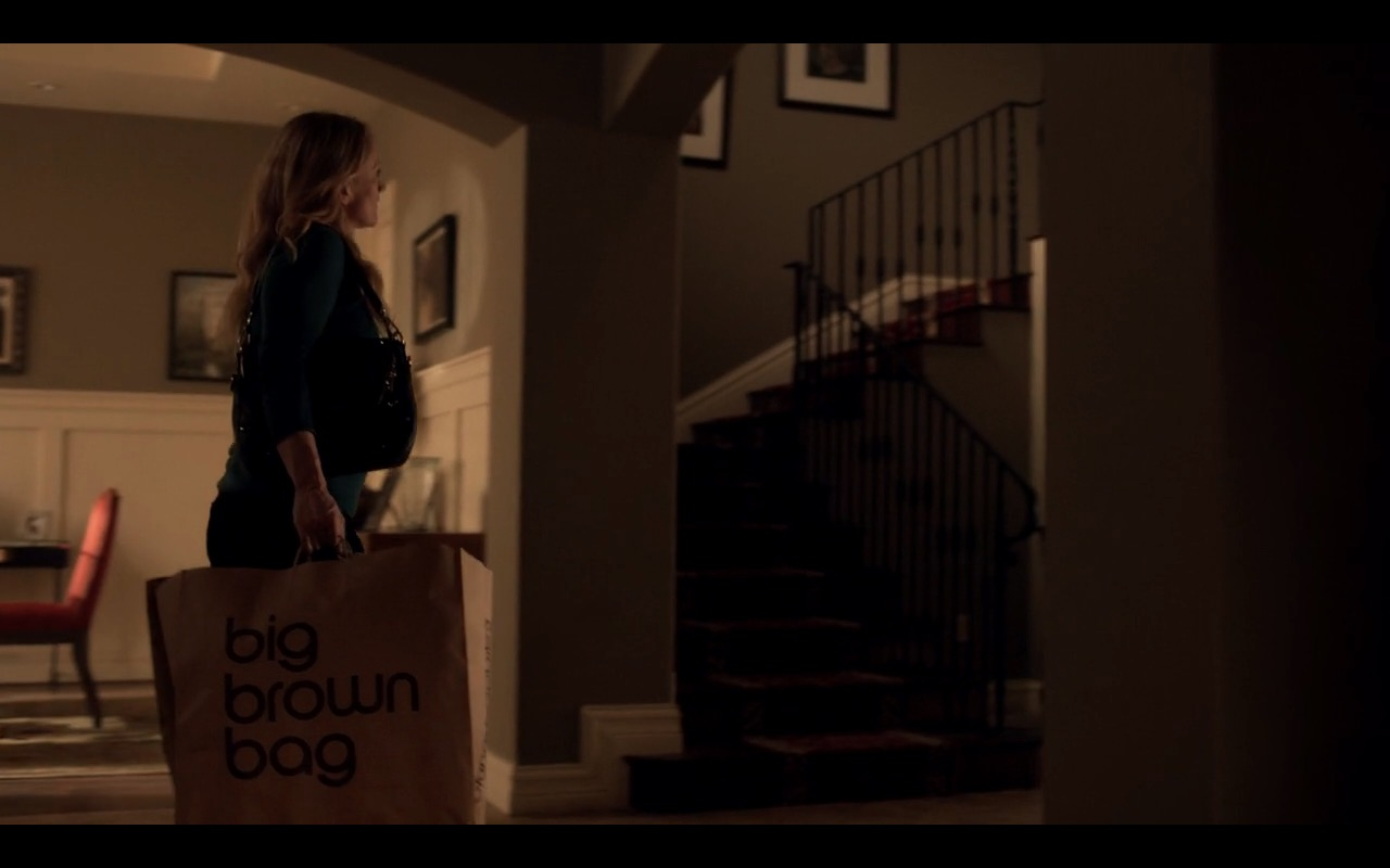 Bloomingdale's Big Brown Bag - Ray Donovan TV Show Product Placement