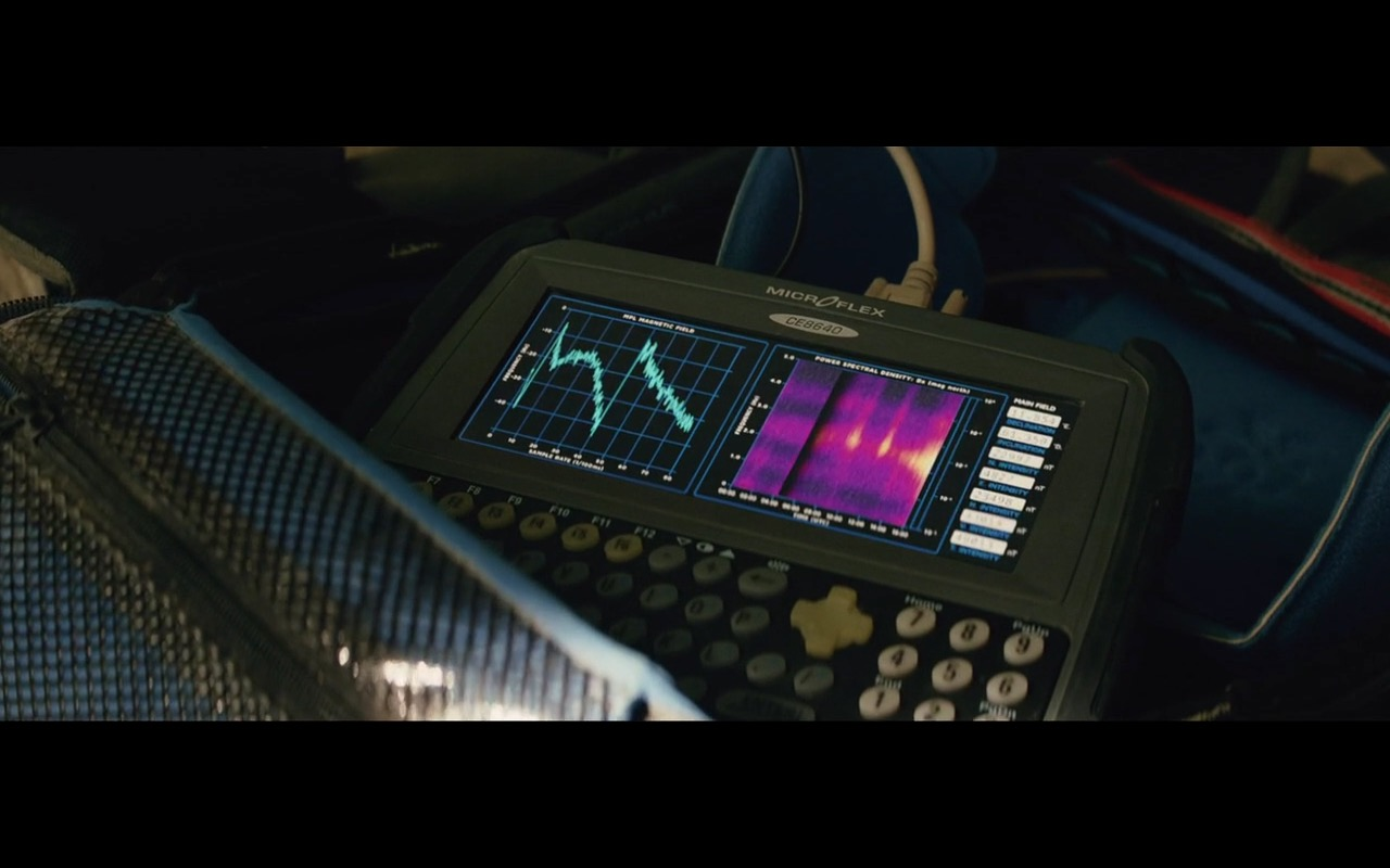 CE8640 MICROFLEX – San Andreas (2015) - Movie Product Placement