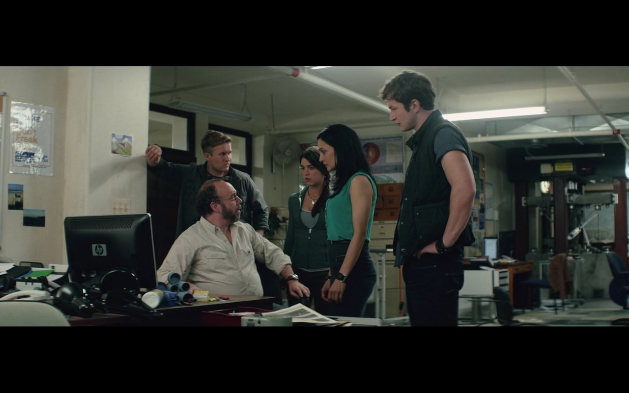Hewlett-Packard Monitors - San Andreas (2015) - Movie Product Placement