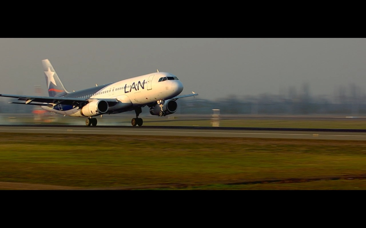 LAN Airlines - Spy (2015) Movie Product Placement