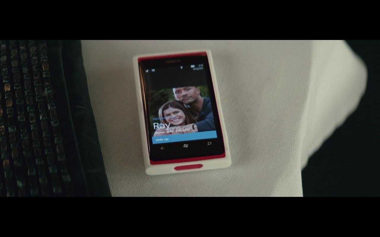 Nokia Lumia (Microsoft Windows Phone) – San Andreas (2015) - Movie Product Placement