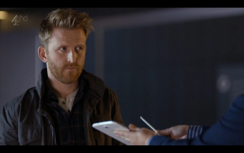 Samsung Galaxy Note 8 - Android Tablet - Humans (TV Series Product Placement) (2)