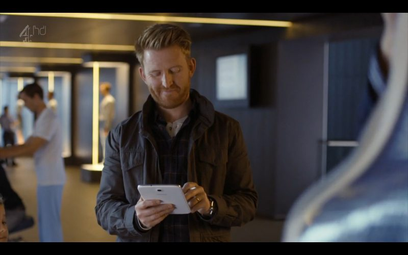 Samsung Galaxy Note 8 - Android Tablet - Humans (TV Series Product Placement) (3)