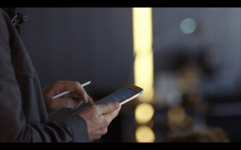 Samsung Galaxy Note 8 - Android Tablet - Humans (TV Series Product Placement) (4)