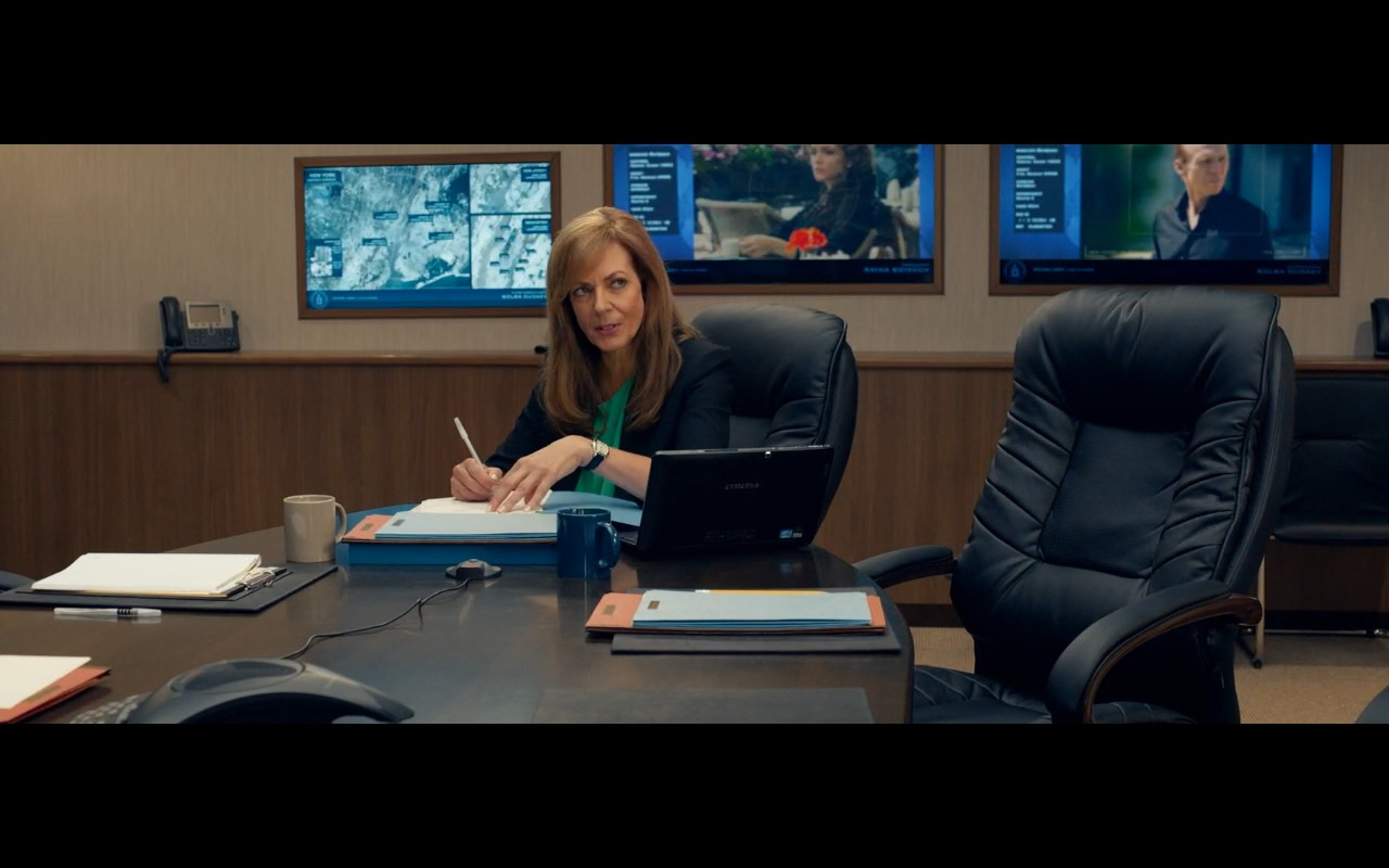 Samsung Notebook - Spy (2015) - Movie Product Placement