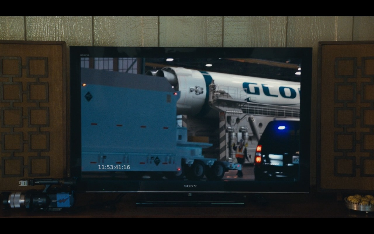 Sony TV Product Placement Example in Aloha Movie (1)