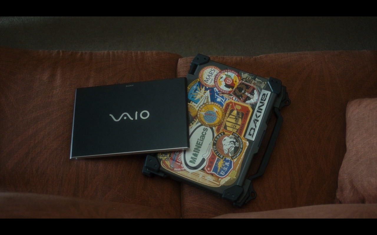Sony VAIO Notebook - Aloha Movie Product Placement (1)