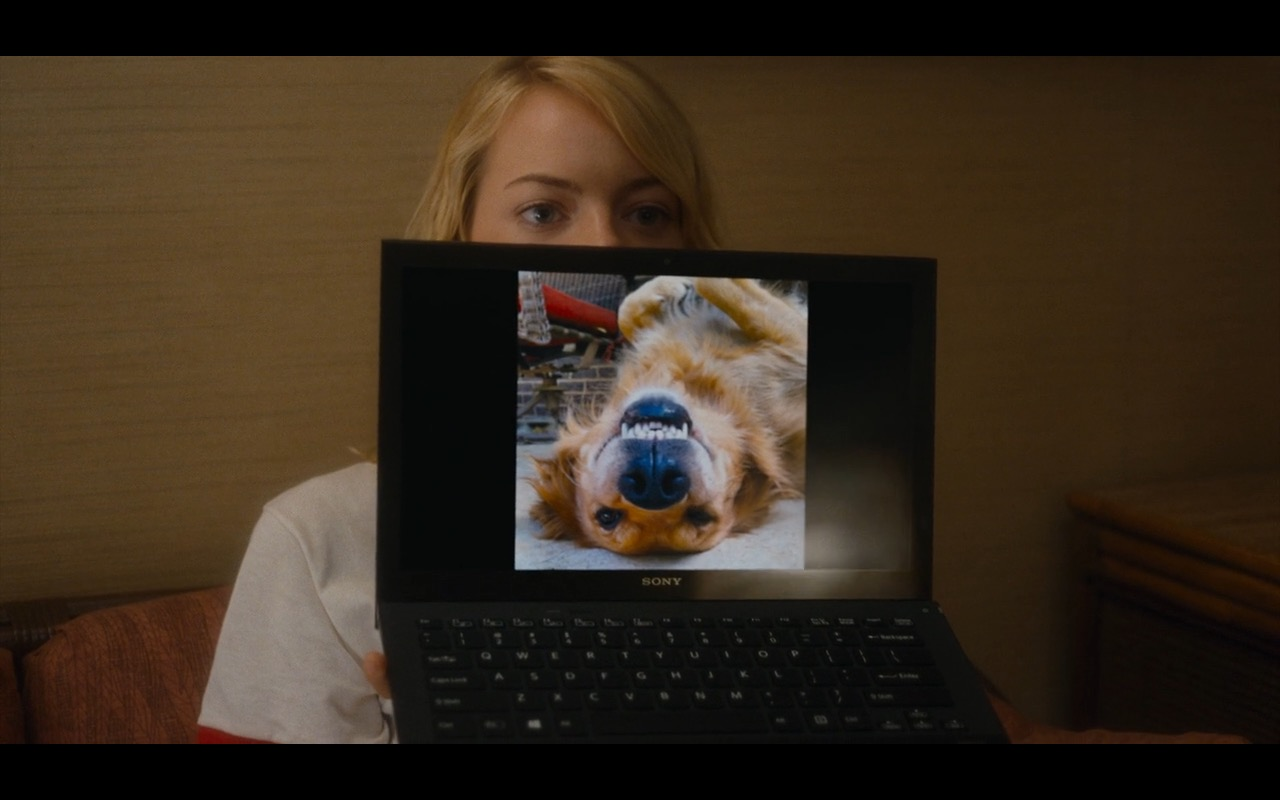 Sony VAIO Notebook - Aloha Movie Product Placement (5)