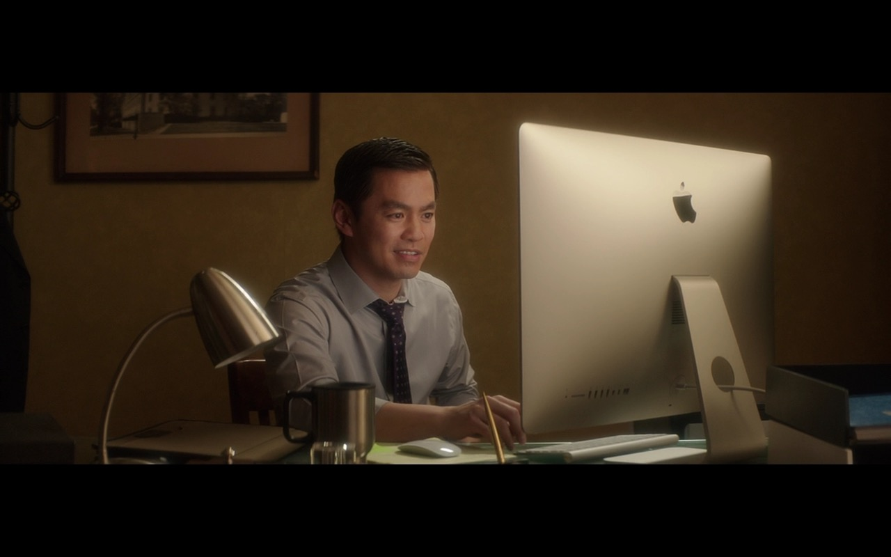 Apple iMac Computer – The D Train (2015) Movie Product Placement