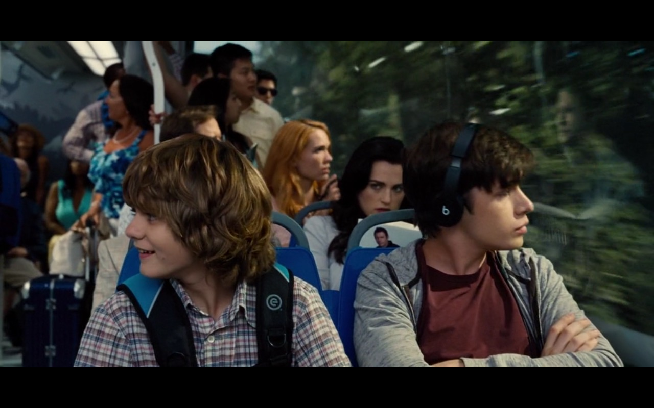 Beats By Dre Headphones – Jurassic World (2015) - Movie Product Placement