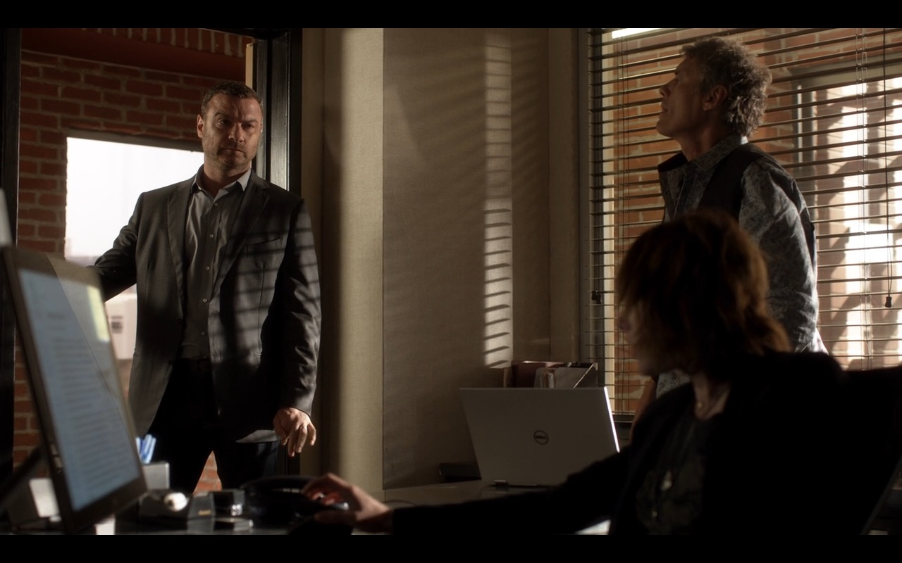 Dell Notebook + Dell Monitor - Ray Donovan  (2)