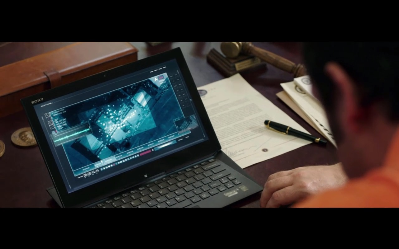 Sony Notebook – Pixels (2015) Movie Product Placement